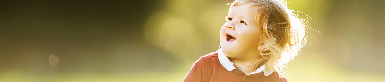 Abbildung: Kleine Mädchen lächelt